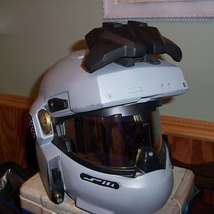 the attachment has a rare earth magnet in the base, and another one inside the helmet