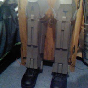 Shin Guards, fixed. (WIP)  I cut them at the bottom, because they where a bit too long.